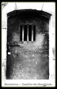 703 Barcelona Montjuich castillo puerta
