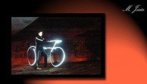06 Nocturno Can Massana Tunel paintlighting bici