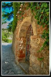 12 Mura puerta y camino